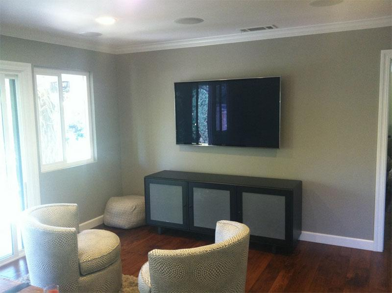 Home Theater With Backyard Audio